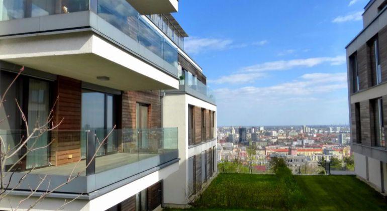 PRENÁJOM: 2 izbový, luxusne zariadený byt s parkingom na Kolibe, Parkville, Bratislava - Nové mesto, VIDEO obhliadka