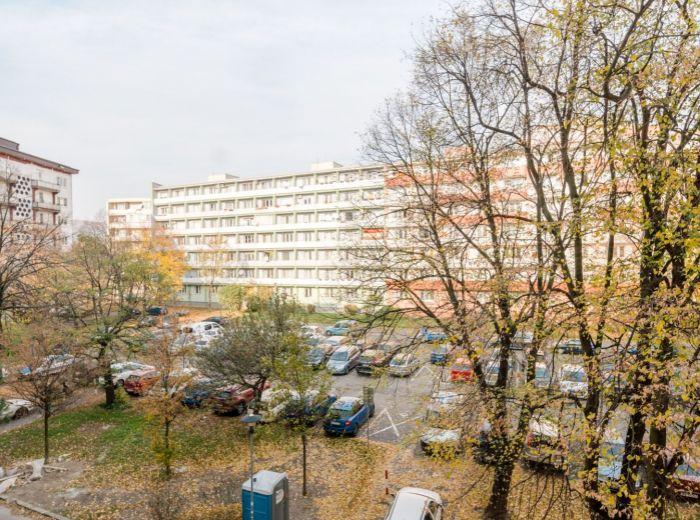 ČSL. PARAŠUTISTOV, 1-i byt, 18 m2 –zeleň, Kuchajda, ELEKTRIČKA a kompletná občianska vybavenosť