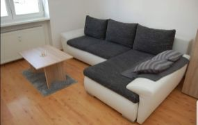 EXKLUZÍVNE IBA U NÁS !!! Ponúkame Vám na prenájom zariadený 1 izbový byt, 33 m2, Dubnica nad Váhom.