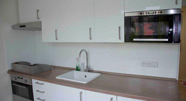 GREGORY Real, PRENÁJOM útulne zariadený 2 izbový byt s balkónom a parkovaním, blízko Dunaja a River Parku, Bratislava I. Staré Mesto