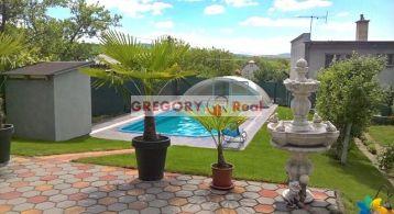 GREGORY Real, na predaj 4 izbový rodinný dom s bazénom v obci Krásno, okr. Partizánske - víkendové aj trvalé bývanie
