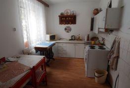 REZERVOVANÝ - Ponúkame na predaj veľmi pekný 2 izbový byt v Žiline.