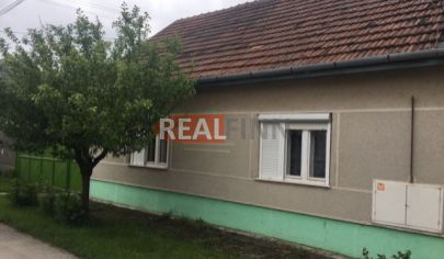 REALFINN  Predaj, rodinný dom Andovce