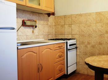 3-i byt, 72 m2,priestranná LOGGIA,vymenené okná, bezpečnostné dvere, pekný VÝHĽAD - REZERVOVANÝ