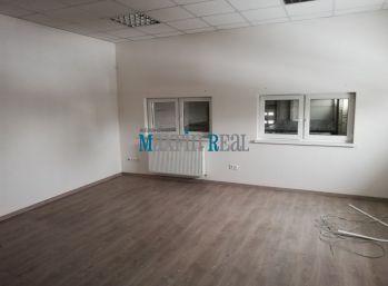 MAXFIN REAL -  Obchodný priestor s parkovaním a kanceláriou v Nitre