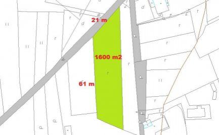 Ponúkame Vám na predaj slnečný pozemok 1 600 m2, obec Králiky, 10 km od B. Bystrice - 42 € / m2