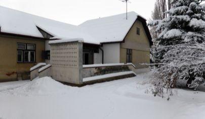 BRODZANY, okr. Partizánske, rodinný dom, 2.909 m2 pozemok