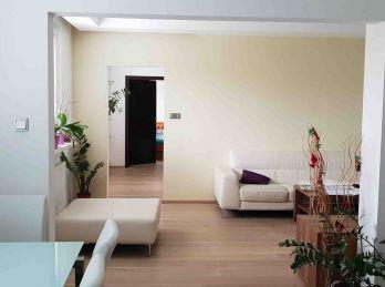 Elegantný 6 izb. byt v Dúbravke -  tichá lokalita