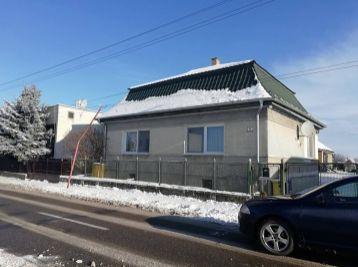 štvorec -rodinn dom v obci Pribeník