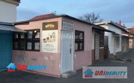 BÁNOVCE NAD BEBRAVOU- zabehnutá predajňa hydiny v centre mesta Bánovce nad Bebravou