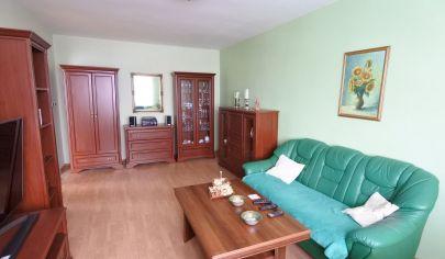 Exkluzívne APEX reality - 4iz. rodinný dom na Inoveckej ul., poz. 414 m2, garáž, šatník, vínna pivnica
