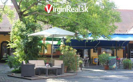 Predáme krásnu kaviareň v centre Maďarskeho mesta Mosonmagyarovar za vynikajúcu cenu.