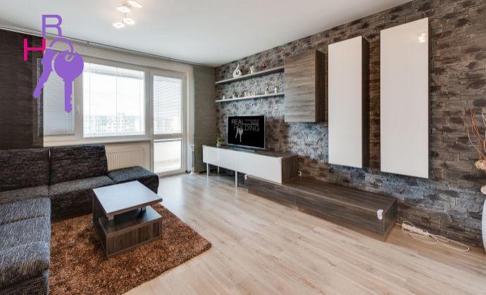Veľký 3 izb., kompletne zrekonštruovaný, kompletne zariadený, pekný výhľad, nízke náklady