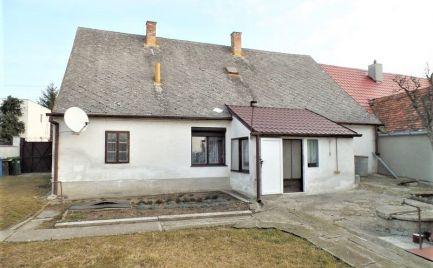 Rodinný dom s pekným pozemkom na predaj - Veľké Leváre
