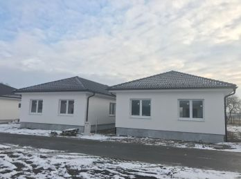 ***PRED DOKONČENÍM: Tehlové 4 izb. rodinné bungalovy s úsporným moderným infra-vykurovaním!!!