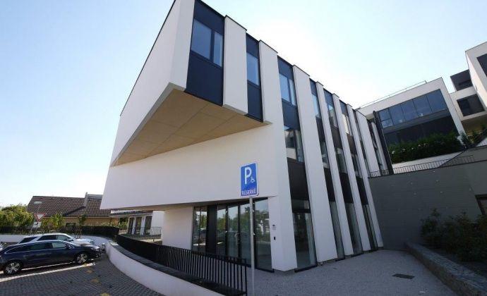 3-podlažná kancelárska budova 530 m2 s parkovaním ul. Na Varte - Bratislava Vinohrady