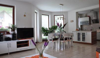 RUŽOMBEROK 6 izbový rodinný dom na poz. 1200m2, Biely Potok  - Raveň