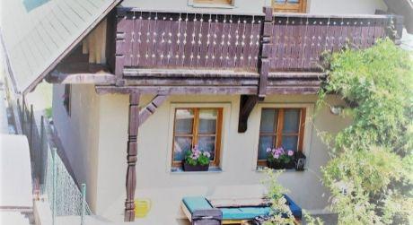 IBA U NÁS!Na predaj pekná murovaná chata v obci PODHÁJSKA..ODPORÚČAM!