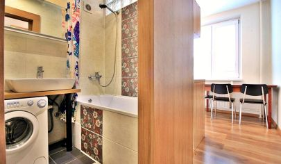 VEĽMI PEKNÝ 2-izbový byt s loggiou, priamo v CENTRE pri AUPARKU / Palárikova ul.