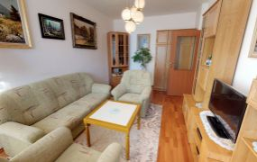 EXKLUZÍVNE IBA U NÁS Vám ponúkame na predaj 3-izbový byt s vlastným kúrením v Trenčíne, ul. K výstavisku o rozlohe 72 m2 s dvomi balkónmi, nachádzajúci sa na 3 poschodí