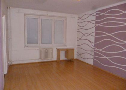 DOMUM - 3i byt 66m2, 3 balkóny - sídlisko Javorinská ul .SNP, Nové Mesto n/V