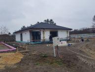 REALFINANC - 100% aktuálny - Ponúkame na predaj 4 izbový RD Bungalov v obci Cífer !!
