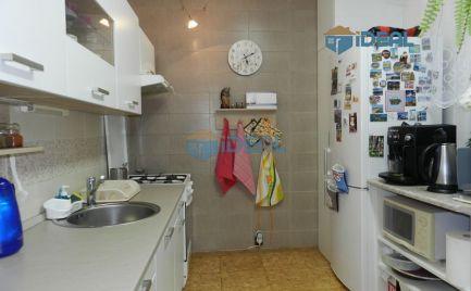 PREDAJ PRERUŠENÝ DO CCA SEPTEMBRA - Stredový 4 - izbový byt s lodžiou, ul. Kozmonautov