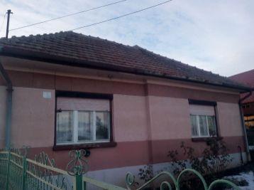 Predáme tehlový rodinný dom - Maďarsko - Léh