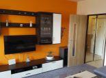 --PBS-- ++REZERVOVANÝ++ VEĽKˇY 3.-izb. byt s lodžiou o výmere 77 m2 po rekonštr., Spojná ul. - ZÁTVOR++