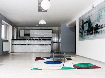 ***PRENÁJOM: Exluzívne zariadený 3 izb. byt v bytovom komplexe v Marianke!!