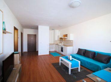 PRENÁJOM - 2 izbový byt v novostavbe na ul. Budatínska, kompletne zariadený