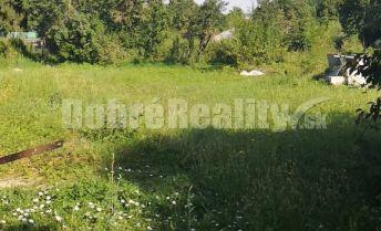 Krásny  rovinatý pozemok 11 km od Nitry v obci DolnéObdokovce /rýchle napojenie na diaľnicu/