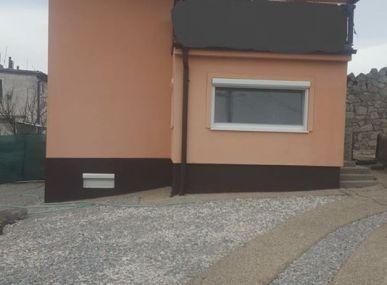 MAXFIN REAL na predaj kompletne zrekonštruovaný 3,5  izb RD vhodný na bývanie aj na podnikanie v Nitre časť Zobor