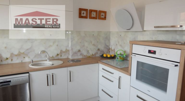 NA predaj 5 izbový mezonetový byt s terasou 160 m2, Prievidza, Staré Sídlisko
