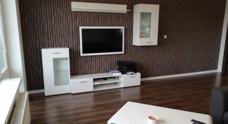 Predaj - krásny, zariadený 3 izb. byt, parkovacie miesto, balkon - BA Ružinov, ul. Na Piesku