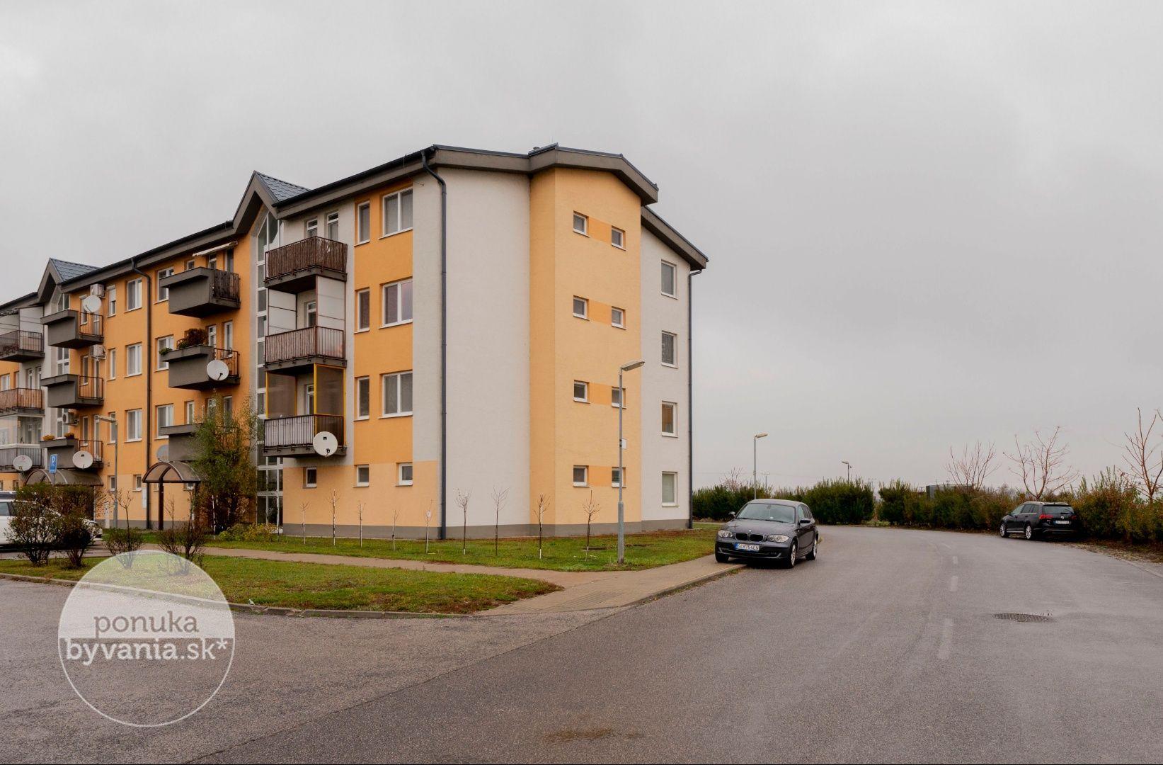 ponukabyvania.sk_M. R. Štefánika_3-izbový-byt_archív