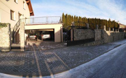 Priestranný dom v peknom prostredí Budmeríc