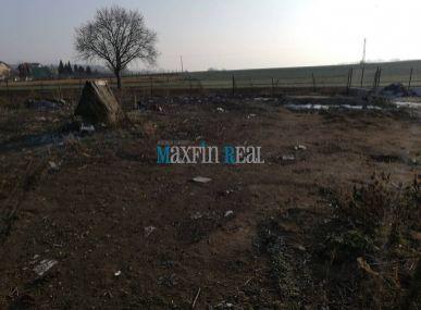 MAXFIN REAL -  Pozemok so sieťami v Šuriankach