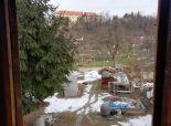 RK KĽÚČ - Exkluzívne iba u nás - Pozemok s chatkou o rozlohe 400m2 HLOHOVEC časť Obora