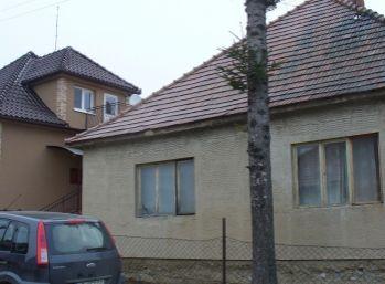 Predaj 2-izbového rodinného domu, pozemok 500 m2, Nitra - Nitrianske Hrnčiarovce, 006 -12 -AKA