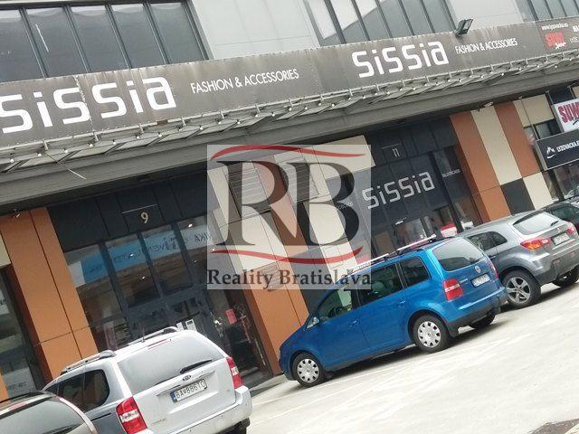 Obchodné priestory Bratislava - Reprezentatívny obchodný priestor na ... cb263683de1