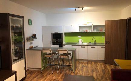 2 izbový byt Podunajské Biskupice na ul. Perličková komplet zariadený s parkovacím miestom v cene.