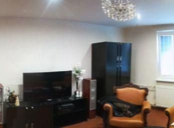 Predaj 4-izbový byt 94 m2, balkón, pivnica, kompletná rekonštrukcia, Vráble - centrum, ID-114-AKA