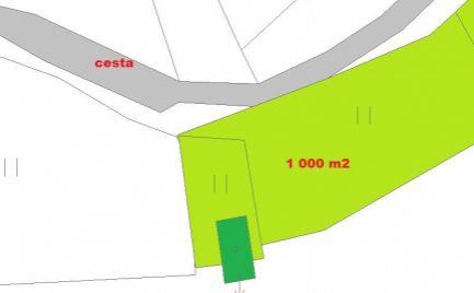 Pozemok 1 000 m2, so záhradnou chatkou Malachov – cena  53 000€