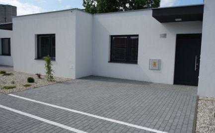 !!! Posledná voľná novostavba z jednopodlažných rodinných domov v Trenčíne - Zlatovce