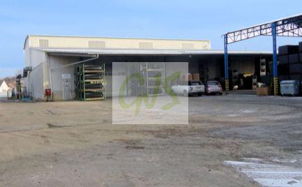 Moderná, kompletne vybavená výrobná hala s vlastným administratívnym a hygienickým zázemím pre zamestnancov