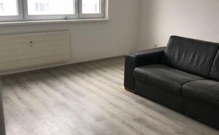 Prenájom 2 izb. byt, MOZARTOVA ul., s parkovacím státím