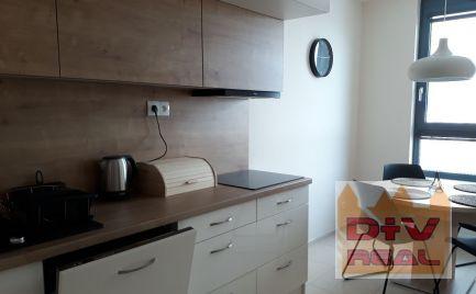 Prenájom: 2 izbový byt, Plynárenská ulica, City Park, Bratislava II, Ružinov, zariadený, parkovanie, klimatizácia