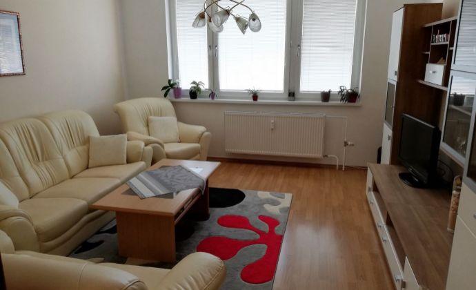 3i byt tichá časť Petržalky- Mlynarovičova ulica