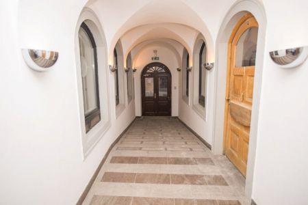 IMPEREAL - prenájom obchodného priestoru 184,80 m2, -1 posch, Michalská ul., Bratislava I.